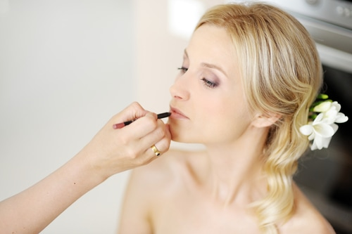 Creating that amazing wedding make-up for your special day. Hair and Beauty Salon Newbury.